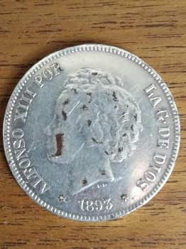 Ejemplo moneda falsa